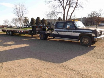 1988 Chevrolet Dually C 3500 W Dct 28 Flatbed Trailer